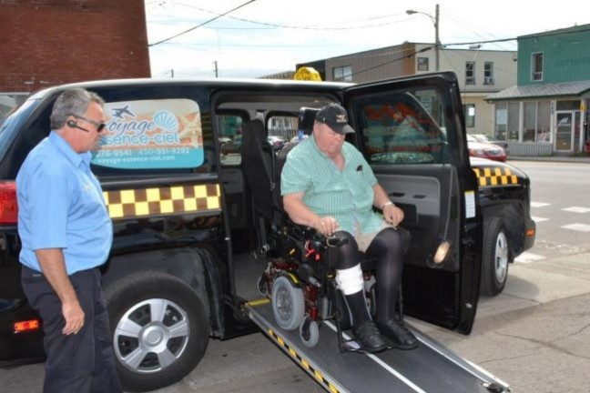 nouveau service de taxi pour les personnes en fauteuil roulant fintaxi